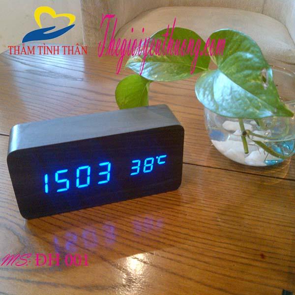 Đồng hồ Led để bàn Hình cục gỗ Độc Đáo