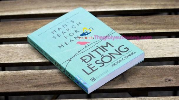 Tặng một cuốn sách ý nghĩa cho chàng trong ngày sinh nhật