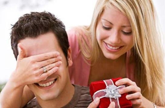 Sinh nhật bạn trai nên tặng gì gây bất ngờ nhất