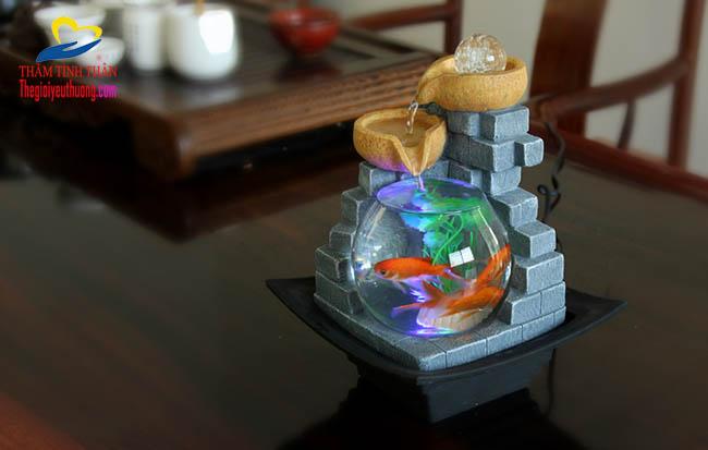 Bài trí bể cá thủy sinh mini thác nước phong thủy trong phòng khách giúp tạo vượng khí