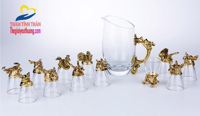 Bộ ly thủy tinh 12 con giáp mạ vàng, món quà biếu sếp ý nghĩa