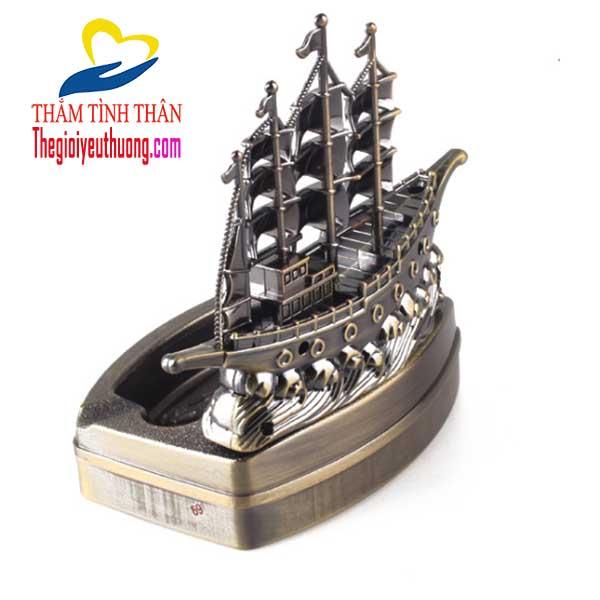 Gạt tàn thuốc đẹp Mô Hình thuyền buồm Phong thủy