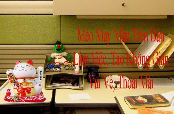 Bài trí mèo MANEKI NEKO tại bàn học, bạn làm việc tạo Không khí vui vẻ
