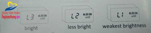 Chỉnh độ sáng cho đồng hồ báo thức điện tử LED