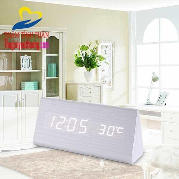 đồng hồ báo thức điện tử lc01