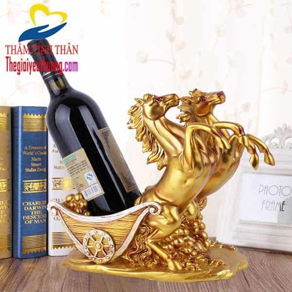 Kệ rượu vang để bàn Độc Đáo và Ý nghĩa Thuận Lợi