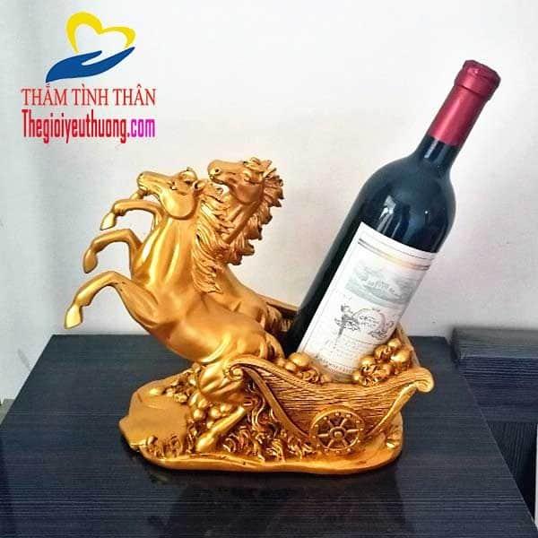 Mẫu kệ rượu vang đẹp Song Mã