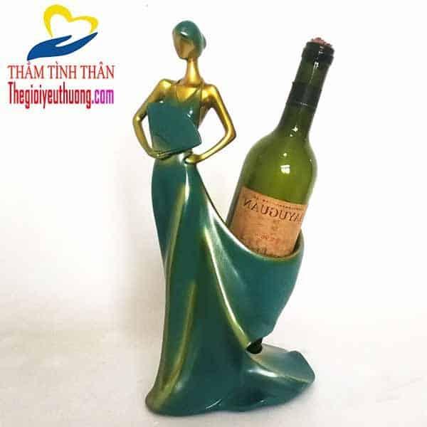 Mẫu Kệ rượu vang để bàn Thiếu nữ dự Vũ Hội
