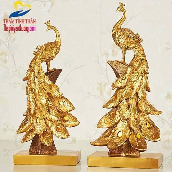 Sản phẩm tượng chim khổng tước phong thủy Vàng
