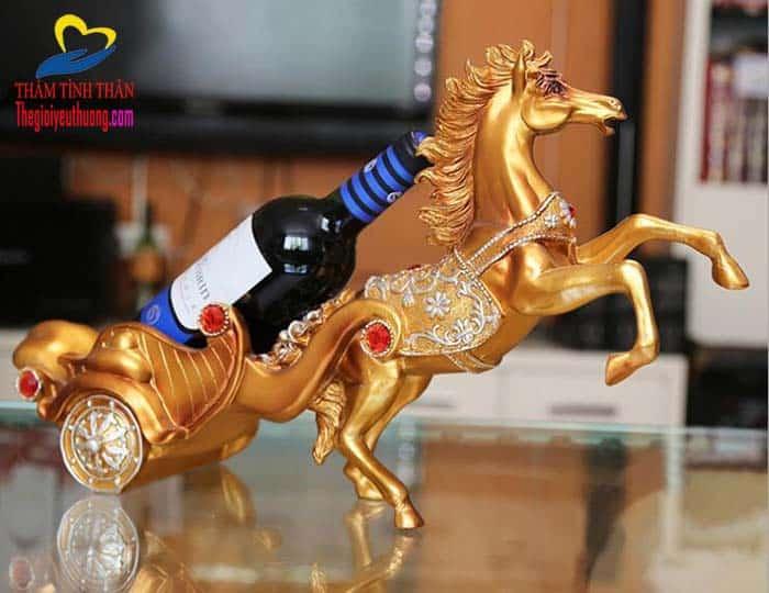 Kệ rượu chiến Mã, Lựa chọn Decor Độc Đáo