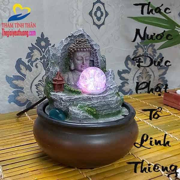 Thác Nước Tượng Phật A Di Đà Nhỏ Tọa Thiền Trên Núi Thiêng
