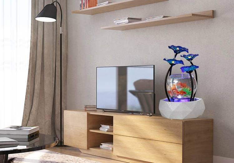 Phòng khách Căn Hộ Chung cư với Bể Cá Mini Theo Phong Thủy