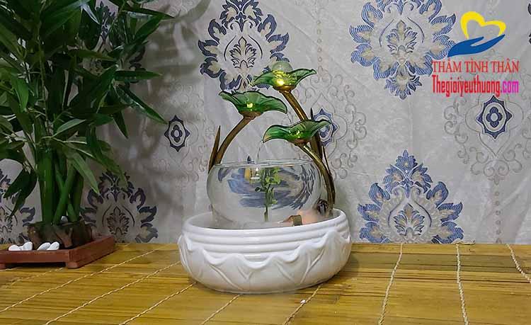 Mẫu bể cá Mini Phong Thủy Với Dòng Thác Nước mềm Mại