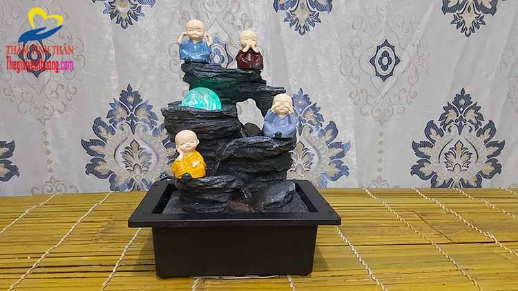 Chi tiết bộ tượng tứ không trên thác nước độc đáo