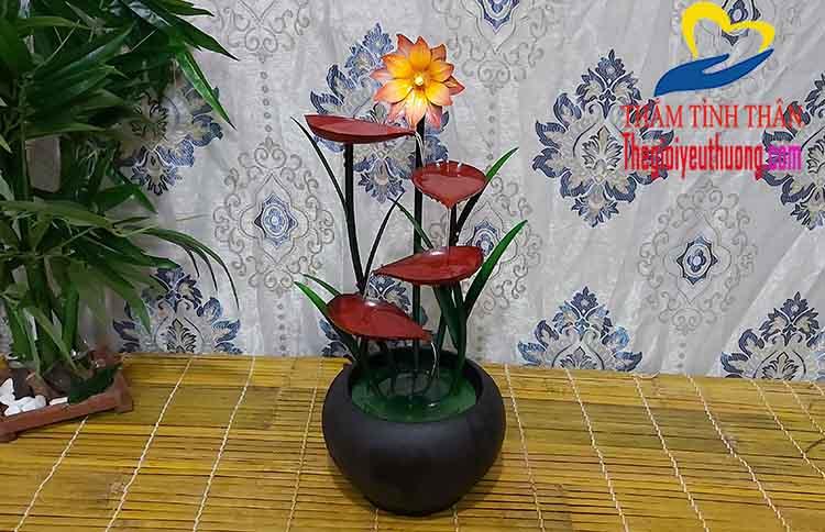 Mẫu thác nước mini phong thủy Hoa Nghệ Thuật Độc Đáo