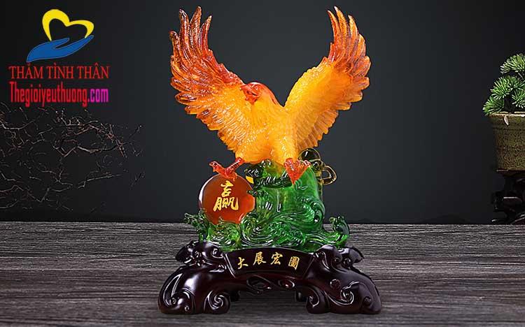 Mẫu tượng đại bàng Độc Đáo